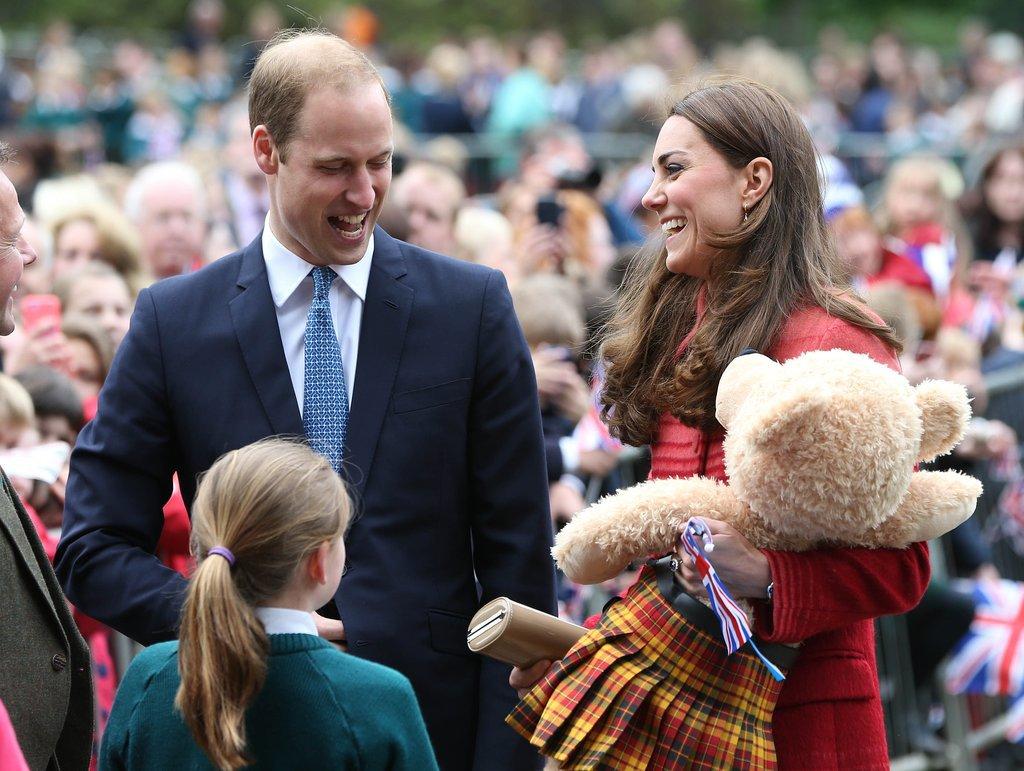 Кейт получила в подарок медведя в килте