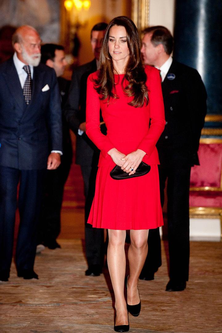 Кейт Миддлтон в красном платье от Alexander McQueen