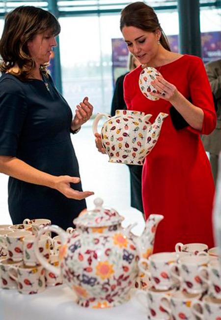 """Кейт Мидлтон участвует в разработке керамической посуды """"Цветы и насекомые"""""""