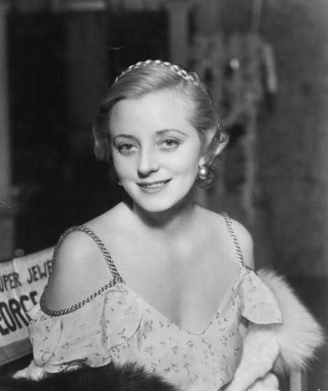 Эвелин Лэй в 1933 году