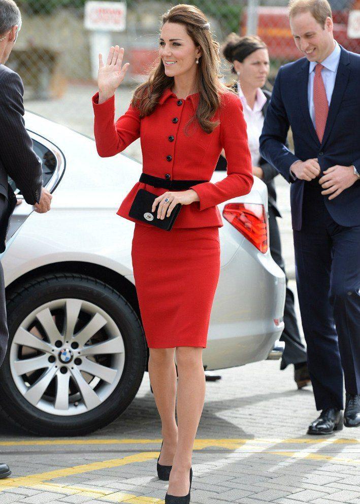 Кейт в красном платье Австралия Новая зеландия