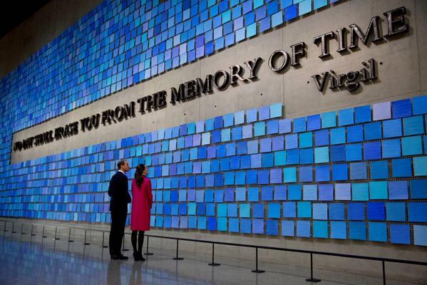 Кейт и Уильям на мемориале в честь жертв 11 сентября