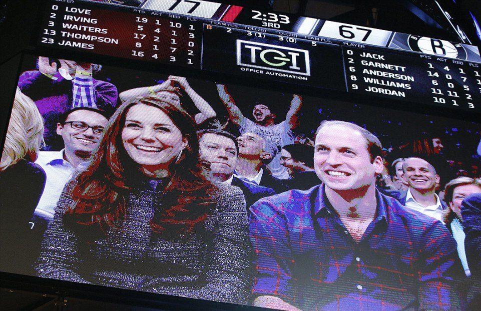 Кейт и Уильям на баскетбольном матче