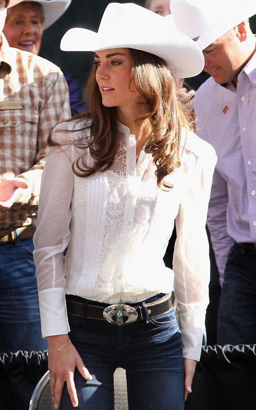 Кейт в ковбойской шляпе