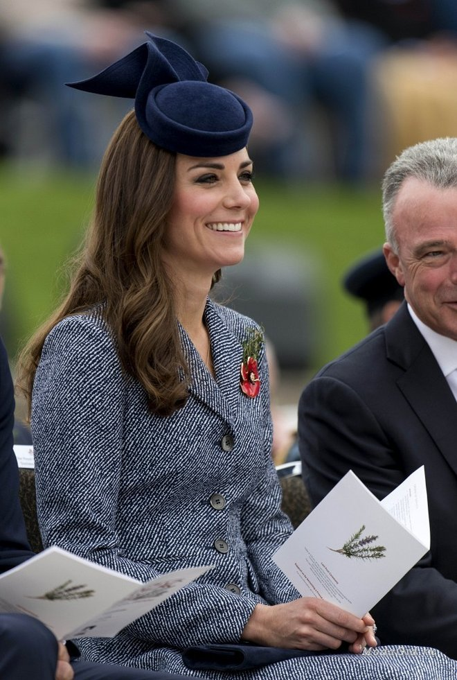 large_Kate_Middleton_Prince_William_Kate_Mark_ANZAC_7IVGOh5yorDx
