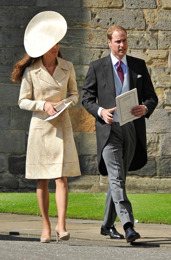 Kate-Middleton-Zara-Phillips-Wedding-2011