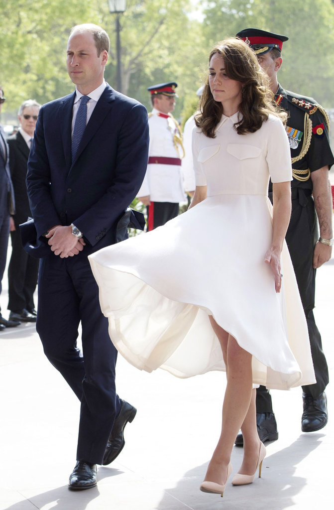 Kate-Middleton-Dress-Flying-Up-Pictures