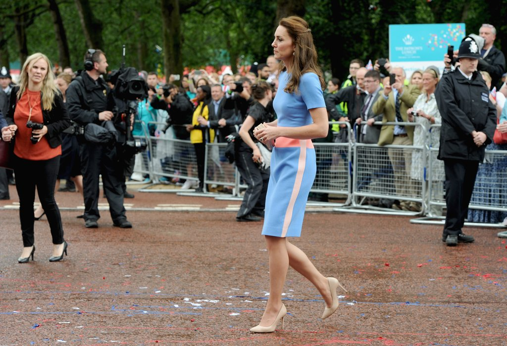 Kate-Wore-Neutral-Accessories-Which-Toned-Down-Colorful-Look