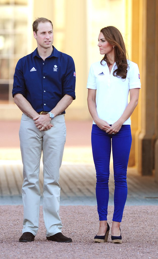 Kate-Wearing-Jeans-Heels-Olympic-Torch-Relay-2012