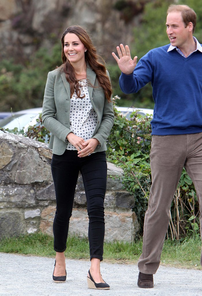 Kate-Wearing-Jeans-Heels-Ring-O-Fire-Ultra-Marathon-2013