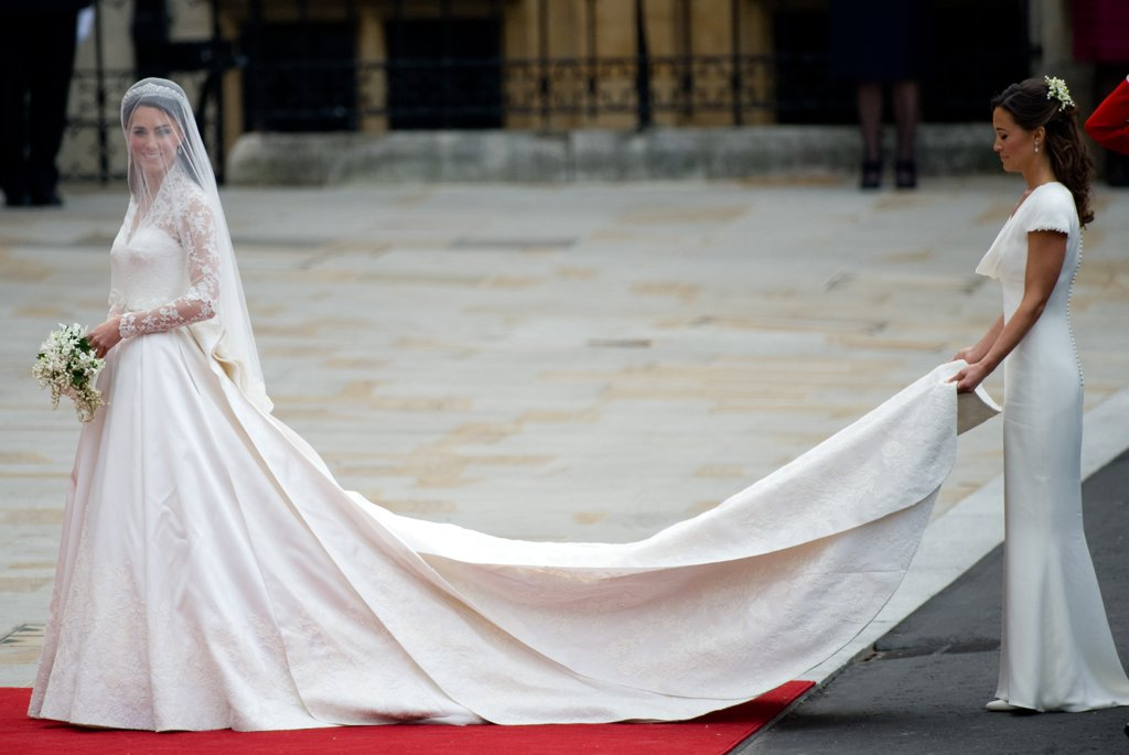 pippa-fulfilled-her-duties-maid-honor-she-helped-kate-make
