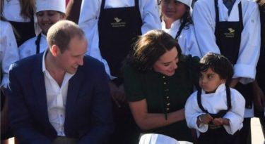 The Duke and Duchess of Cambridge meet young chefs during a visit to the Mission Hill winery in Kelowna, Canada, on the fourth day of the royal tour to Canada. PRESS ASSOCIATION Photo. Picture date: Tuesday September 27, 2016. See PA story ROYAL Canada. Photo credit should read: Arthur Edwards/The Sun/PA Wire