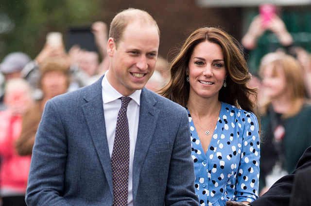 HARLOW, ENGLAND - SEPTEMBER 16: Catherine, Duchess of Cambridge and Prince William, Duke of Cambridge arrive at Stewards Academy on September 16, 2016 in Harlow, England. The Duke and Duchess of Cambridge are visiting Steward's Academy as part of their Heads Together campaign, The Duke and Duchess of Cambridge will visit Stewards Academy in Harlow, Essex, to find out more about the pressures faced by young people when they are going through big changes in their lives, and learn about the support from peers and parents that can help them get through these changes. (Photo by Mark Cuthbert/UK Press via Getty Images)