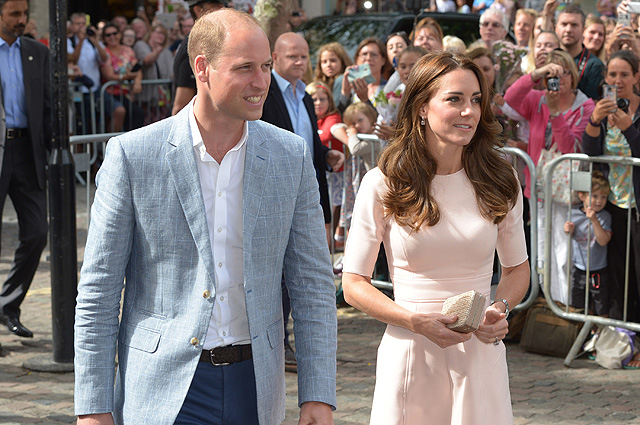 TRURO, ENGLAND - SEPTEMBER 01: Prince William, Duke of Cambridge and Catherine, Duchess of Cambridge arrive to visit Truro Cathedral on September 1, 2016 in Truro, United Kingdom. (Photo by Ben Birchall - WPA Pool/Getty Images)