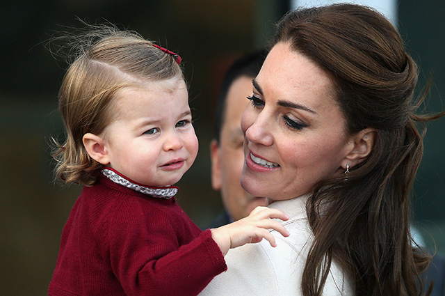 VICTORIA, BC - OCTOBER 01: Catherine, Duchess of Cambridge and Princess Charlotte wave leave from Victoria Harbour to board a sea-plane on the final day of their Royal Tour of Canada on October 1, 2016 in Victoria, Canada. The Royal couple along with their Children Prince George of Cambridge and Princess Charlotte are visiting Canada as part of an eight day visit to the country taking in areas such as Bella Bella, Whitehorse and Kelowna (Photo by Chris Jackson/Getty Images)