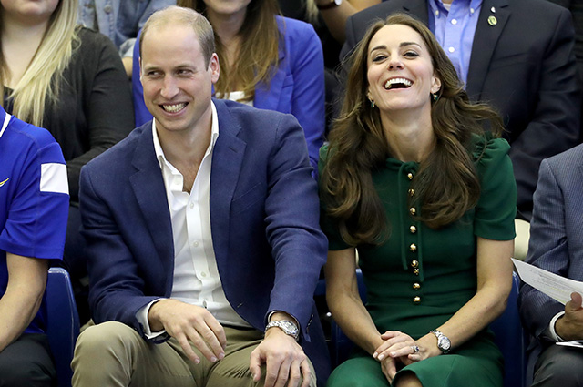 KELOWNA, BC - SEPTEMBER 27: Prince William, Duke of Cambridge and Catherine Duchess of Cambridge watch a volleyball match on a visit to Kelowna University during their Royal Tour of Canada on September 27, 2016 in Kelowna, Canada. Prince William, Duke of Cambridge, Catherine, Duchess of Cambridge, Prince George and Princess Charlotte are visiting Canada as part of an eight day visit to the country taking in areas such as Bella Bella, Whitehorse and Kelowna. (Photo by Chris Jackson/Getty Images)