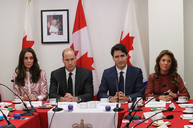 VANCOUVER, BC - SEPTEMBER 25: Prince William, Duke of Cambridge, Catherine, Duchess of Cambridge, Prime Minister Justin Trudeau and Sophie Gregoire-Trudeau visits the Canadian Coast Guard and Vancouver First Responders Event at Kitsilano Coastguard Station on September 25, 2016 in Vancouver, Canada. Prince William, Duke of Cambridge, Catherine, Duchess of Cambridge, Prince George and Princess Charlotte are visiting Canada as part of an eight day visit to the country taking in areas such as Bella Bella, Whitehorse and Kelowna (Photo by Chris Jackson/Getty Images)