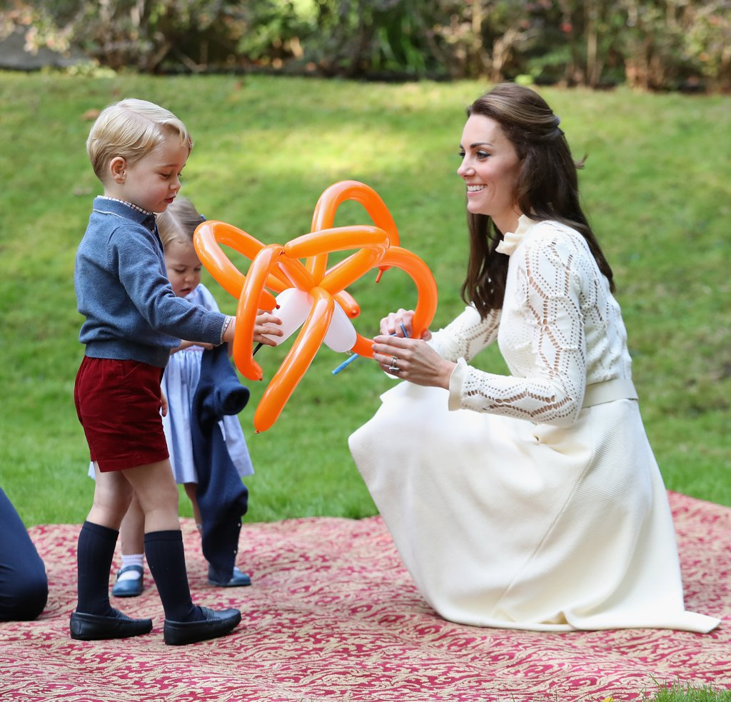 kate-playing-george-charlotte-2016
