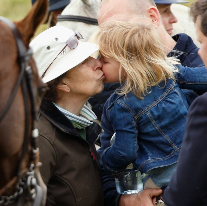 princess-anne-her-granddaughter-mia-earlier-year