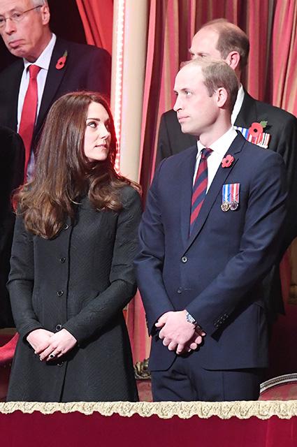 Кейт Миддлтон и принц Уильям приняли участие в мероприятии, посвященном Дню памяти