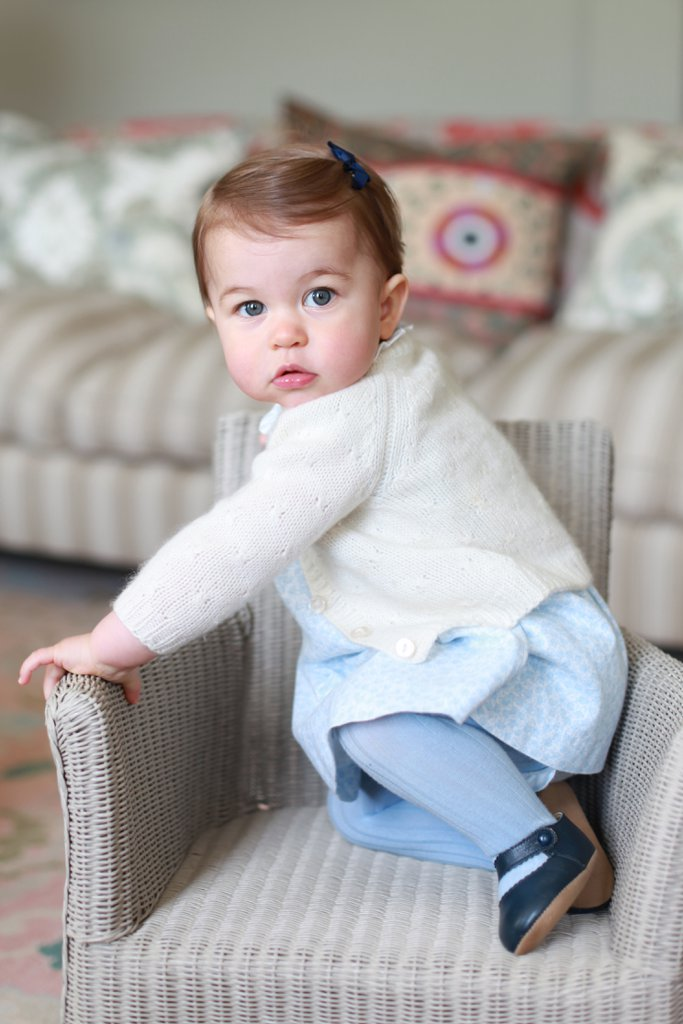 best-pictures-prince-george-princess-charlotte-20161