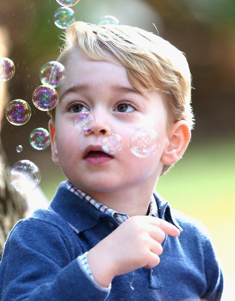 george-having-fun-bubbles