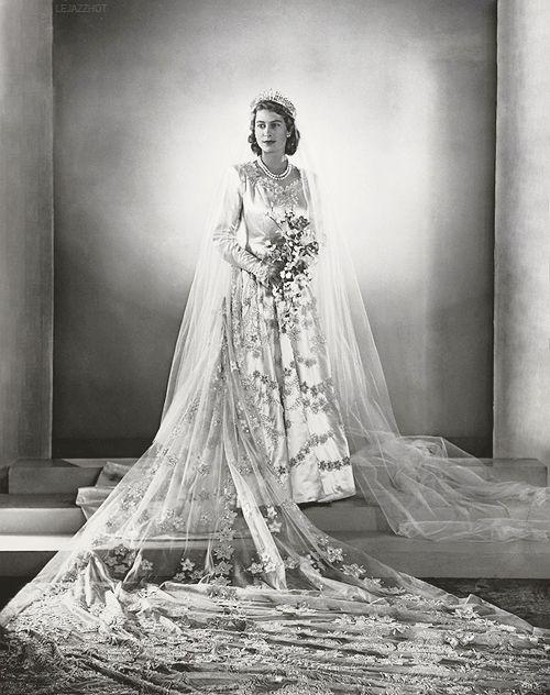 elizabeth-wedding-dress-1