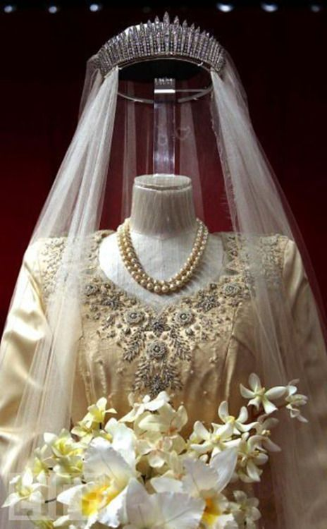 elizabeth-wedding-dress-3