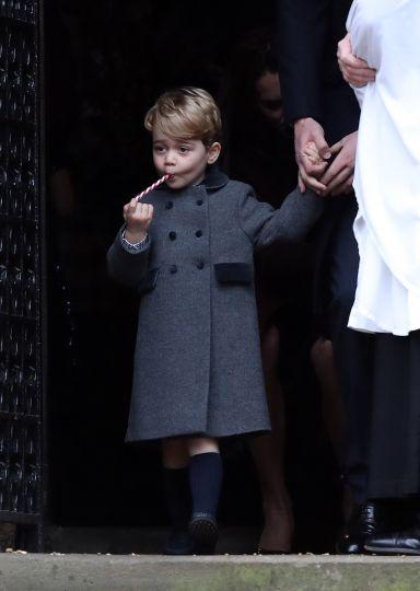 Британцы раскупили пальто в стиле принца Джорджа