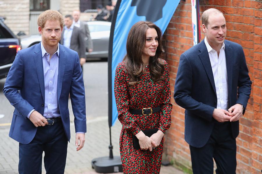Кейт, Уильям и Гарри посетили вечеринку волонтеров