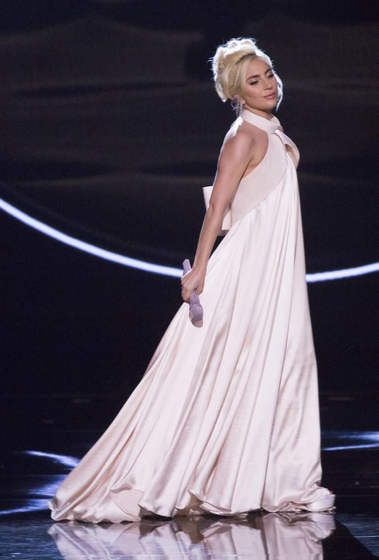 Леди Гага пообщалась с принцем Чарльзом