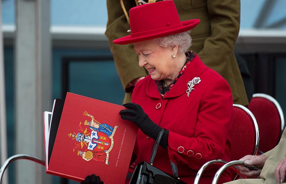 Опубликован список подарков на юбилей Елизаветы II