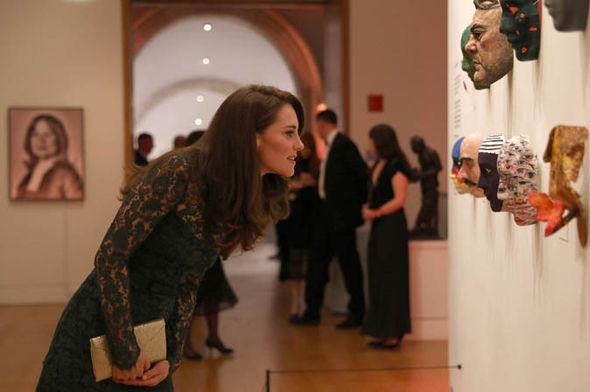 Кейт Миддлтон примерила зеленое кружево на гала ужине в Национальной Портретной галерее