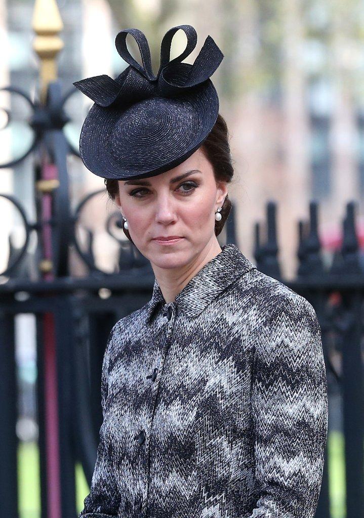 """Кейт, Уилльям и Гарри побывали на """"службе надежды"""""""