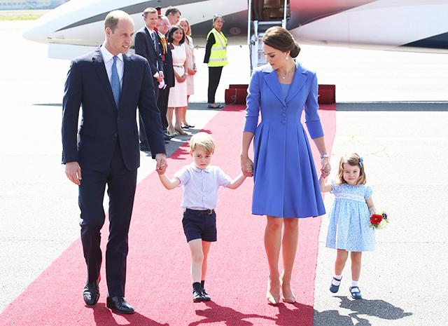 Синий цвет для Кейт Миддлтон и ее семьи