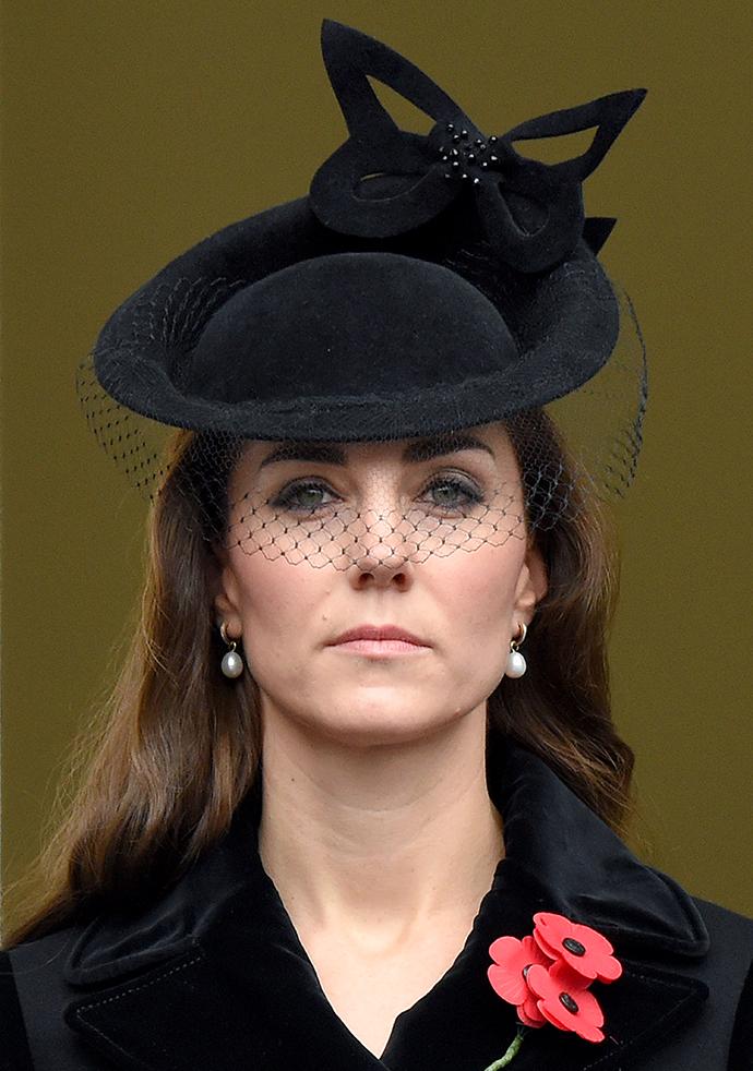 В отъезде у Кейт Миддлтон всегда при себе траурное платье