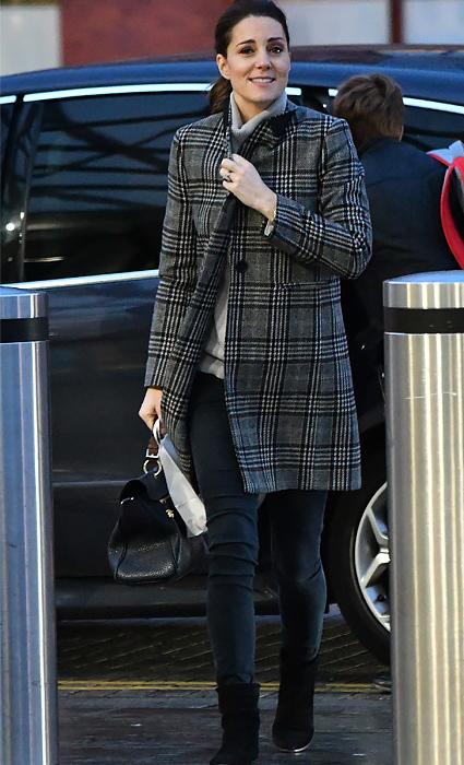 Кейт Миддлтон засветилась в удобной одежде стиля Сasual