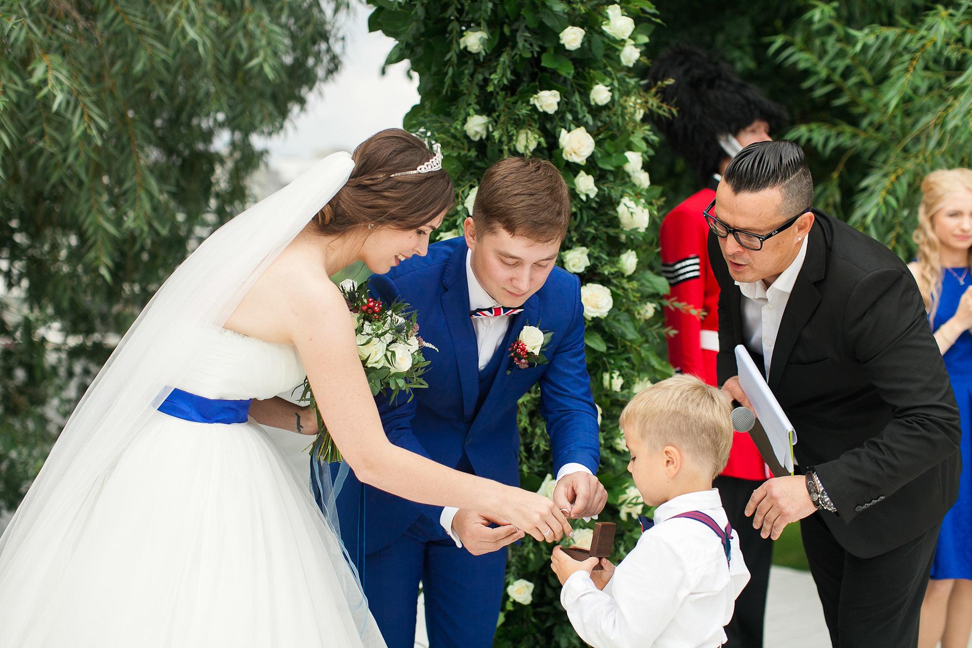 Готовимся к свадьбе в английском стиле – выбираем наряды и автомобиль