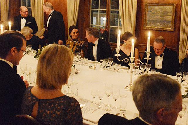 Уильям и Кейт Миддлтон на званом ужине со Стефаном Левеном, Стелланом Скарсгардом и другими высокими гостями