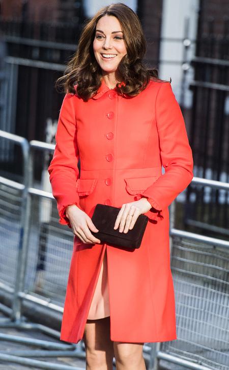 Почему Кейт Миддлтон вышла в свет без обручального кольца?