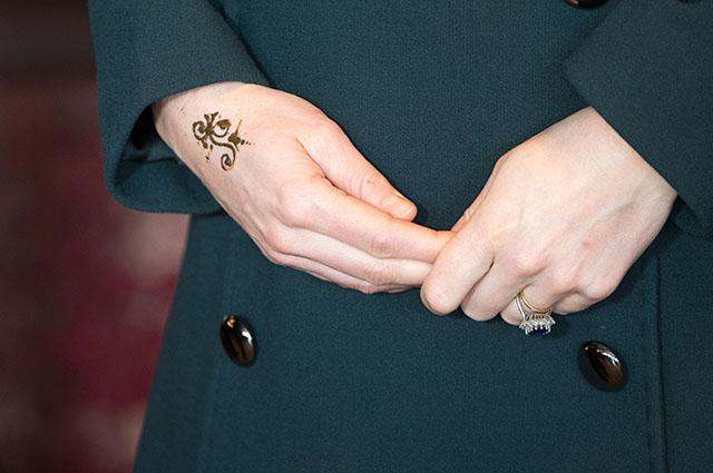 Кейт Миддлтон с татуировкой отправилась на строительство моста