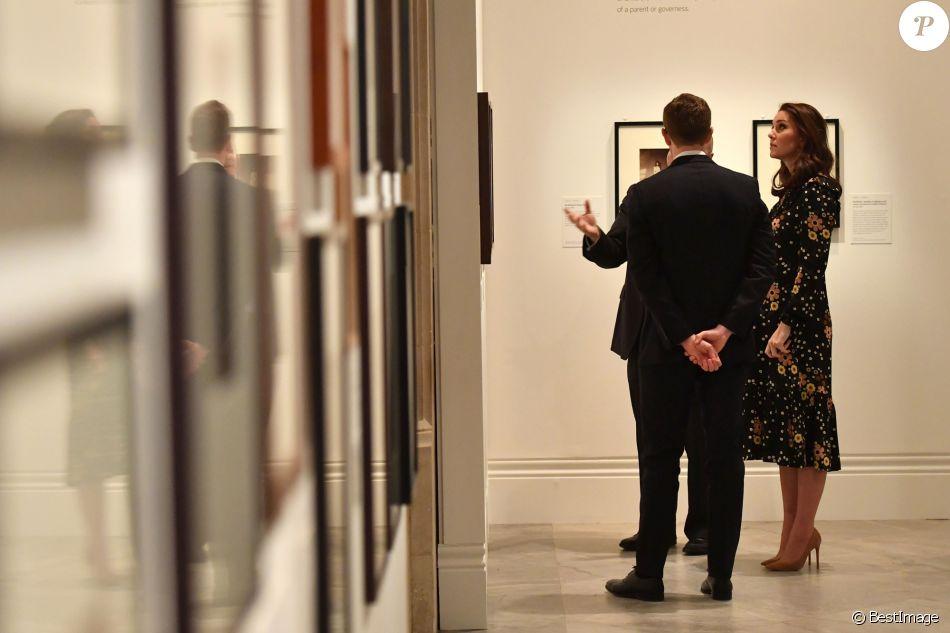 Кейт Миддлтон не испугалась метели, поехав в Национальную портретную галерею
