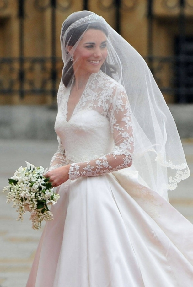 Меган Маркл не станет соперничать с Кейт Миддлтон в цене свадебного платья