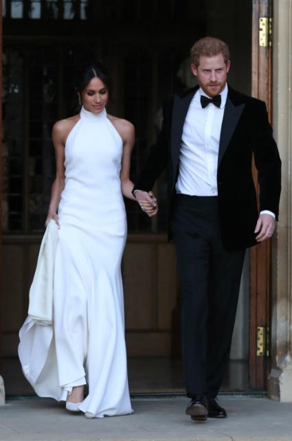 Меган Маркл покорила всех белоснежным платьем для вечеринки!