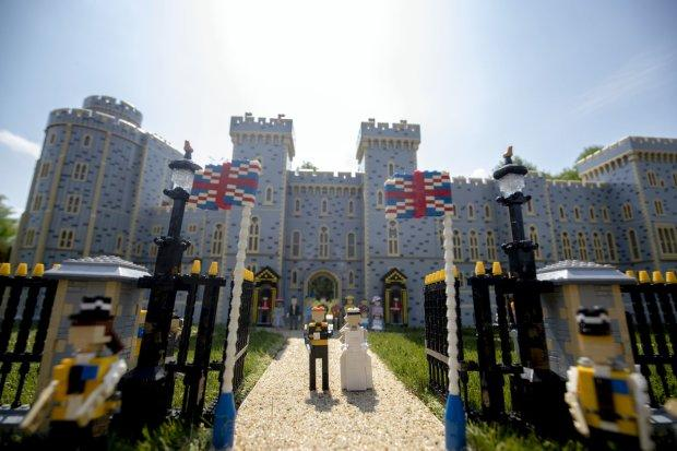 Принц Гарри и Меган Маркл уже поженились в Леголенде!