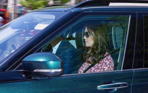 Кейт Миддлтон появилась на публике перед свадьбой принца Гарри и Меган Маркл