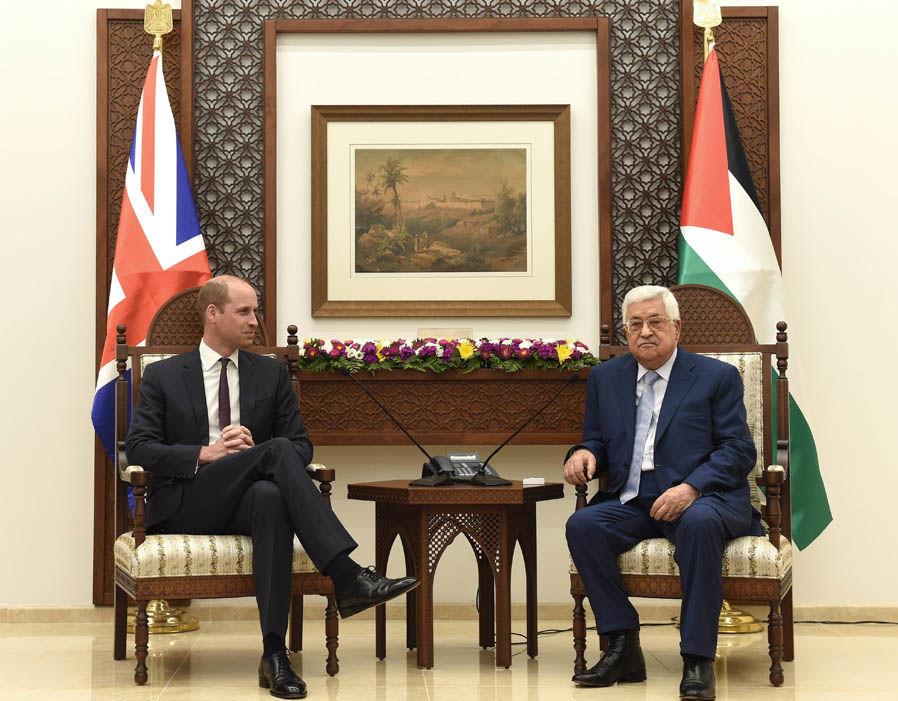 Принц Уильям продолжает тур по Ближнему Востоку – встреча с Неттой Барзилай и Махмудом Аббасом
