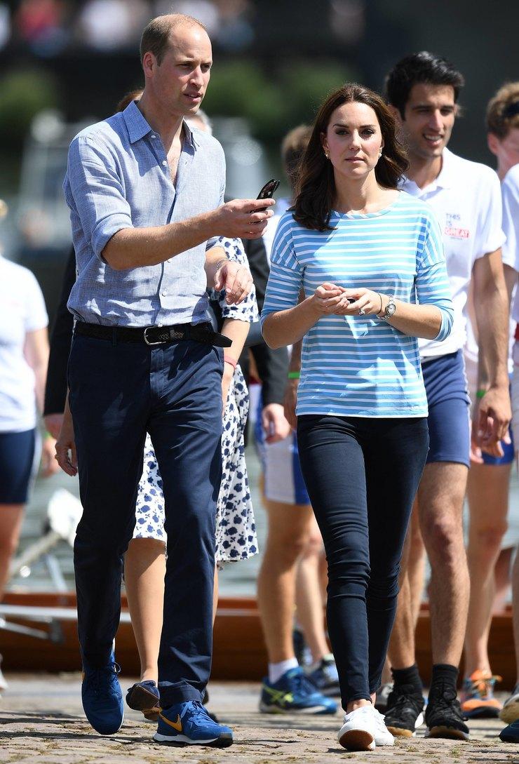 Кейт Миддлтон и ее белые кеды – королевский образ
