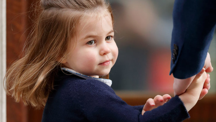 Наряды дочери Кейт Миддлтон. Почему принцесса Шарлотта всегда в платьях?