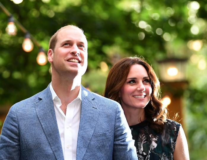 Принц Уильям и Кейт Миддлтон были замечены в баре Basil's Bar на острове Мюстик